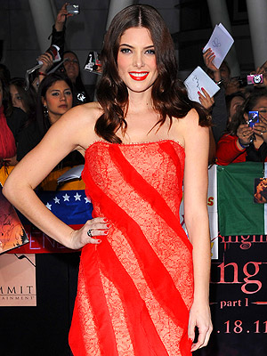 Breaking Dawn Premiere: Ashley Greene on Fame Not Changing Her