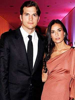 demi moore 4 300 Demi Moore and Ashton Kutchers Fighting Was Intense, Says Source