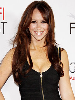 Why Jennifer Love Hewitt Will Be Skipping the Mashed Potatoes