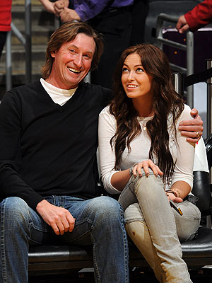 Wayne Gretzky's Daughter Closes Racy Twitter Account