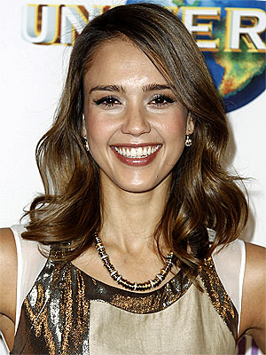 Jessica Alba to Release Her First Book