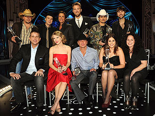 How Taylor Swift, Brad Paisley Feasted Before the CMT Artists of the Year Show | Brad Paisley, Charles Kelley, Dave Haywood, Hillary Scott, Jason Aldean, Kenny Chesney, Lady Antebellum, Taylor Swift