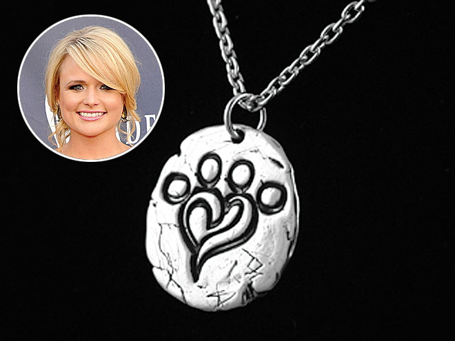 SILVER NECKLACES photo | Miranda Lambert