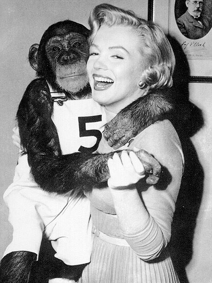 GETTING CHEEKY photo | Marilyn Monroe