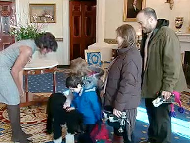 Michelle Obama and Bo Surprise White House Visitors!