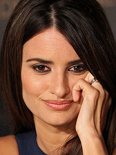 The Water Bowl: Penelope Cruz Was Once a Lonely Cat Lady