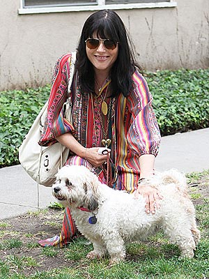 Spotted: Selma Blair Volunteers with Rescue Dogs!| Stars and Pets, Dogs, Selma Blair