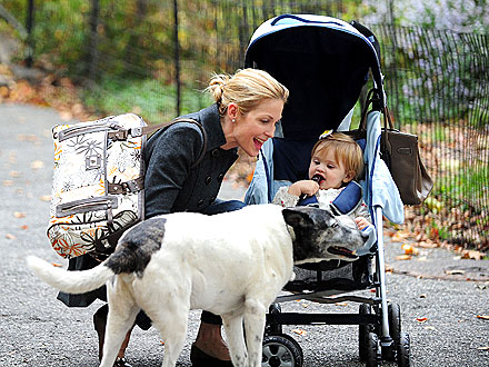 Kelly Rutherford&#39;s Dog Bosses Her Kids Around