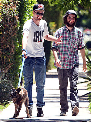 Robert Pattinson Walks His Dog