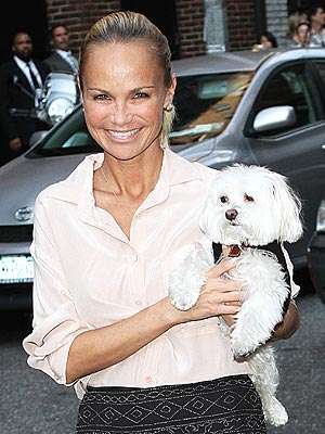 Kristin Chenoweth Helps Dog Maddie Recuperate