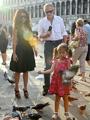Spotted: Salma Hayek & Valentina Play with Pigeons in Venice| Stars and Pets, Salma Hayek