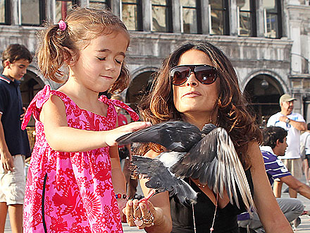 Salma Hayek, Daughter Valentina Play with Pigeons in Venice
