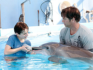 Winter's Tail: Dolphin Inspires People with Disabilities