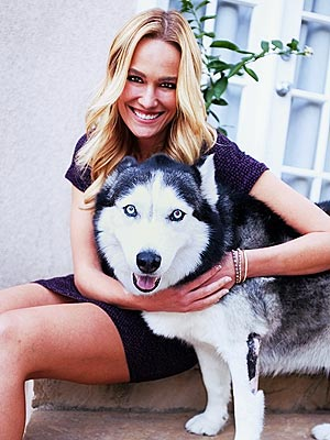 E! News Correspondent Ashlan Gorse&#39;s Dog Beats Cancer| Stars and Pets, Dogs