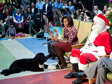 Michelle Obama Brings Bo to Read Christmas Tale to Children| Bo Obama, Stars and Pets, Dogs, Michelle Obama