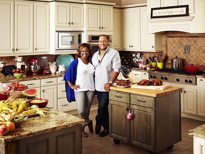 Good eats inside star kitchens patrick and gina neely for Gina s italian kitchen