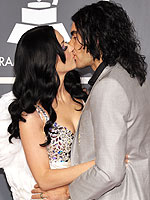 Mwah! 2011 Grammy Stars&#39; Valentines | Katy Perry, Russell Brand