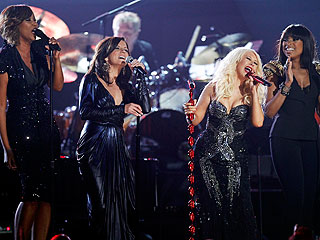 Yolanda Adams, Christina Aguilera Perform Aretha Franklin Tribute at Grammys