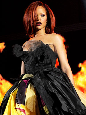 Amazing 2011 Grammys Performance Looks!