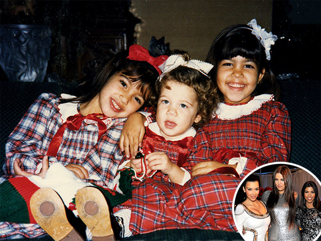 KIM, KHLO&#201; & KOURTNEY KARDASHIAN