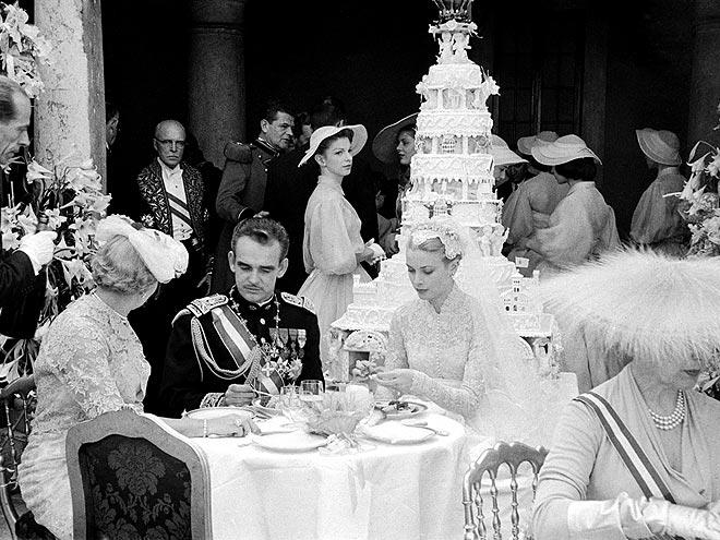 royal wedding cakes princess diana queen elizabeth