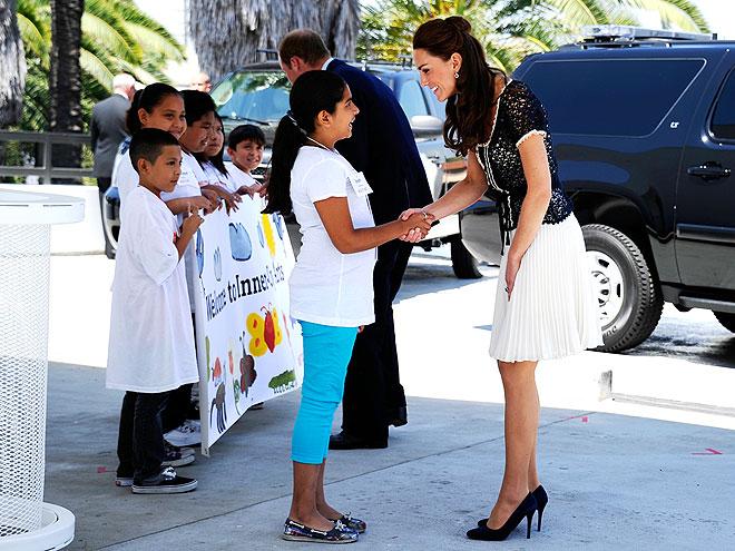 THE PRINCESS 'HI'  photo | Kate Middleton, Prince William