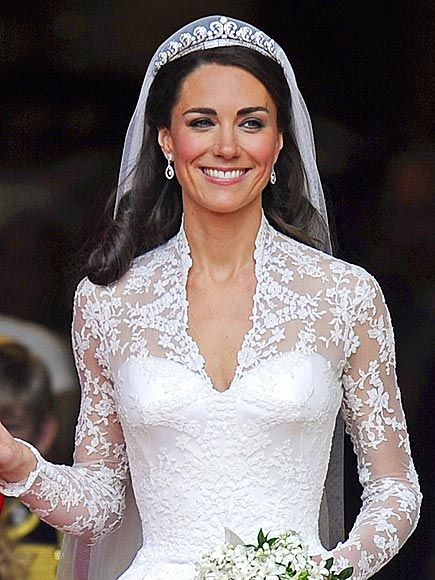 LACE BODICE photo | Royal Wedding, Kate Middleton