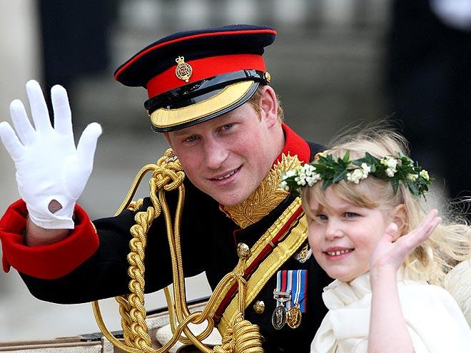 DO THE WAVE photo   Prince Harry