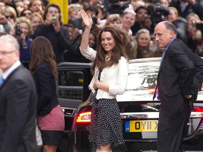 CROWD PLEASER photo | Kate Middleton