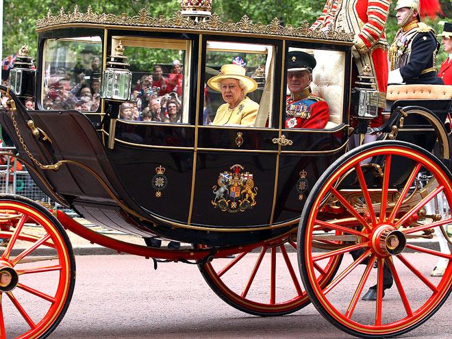 SEMI STATE LANDAU CARRIAGE  photo | Royal Wedding, Queen Elizabeth II