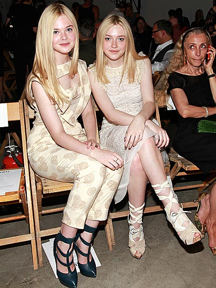 THE FANNINGS photo | Dakota Fanning, Elle Fanning