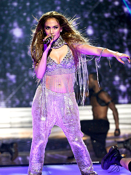 SOLO ACT  photo | Jennifer Lopez