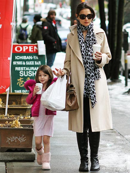 JOE TO-GO photo | Katie Holmes, Suri Cruise