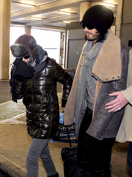 LANDING GEAR photo | Katy Perry, Russell Brand