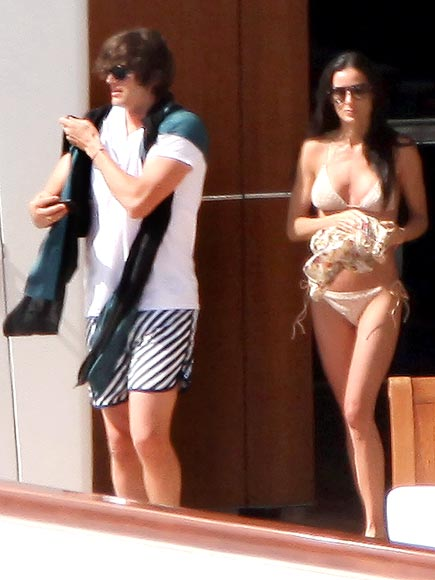 BIKINI CRUISE photo | Ashton Kutcher, Demi Moore
