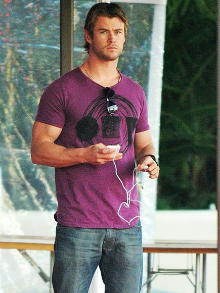 PRACTICE MAKES PERFECT photo | Chris Hemsworth