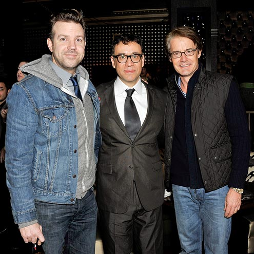 SHOW OF SUP-&#39;PORT&#39; photo | Fred Armisen, Jason Sudeikis