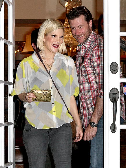 ANTIQUES ROADSHOW photo | Dean McDermott, Tori Spelling