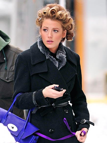 CURLY CUE photo | Blake Lively
