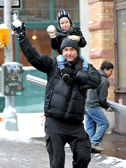 HAVING A 'BALL' photo | Liev Schreiber
