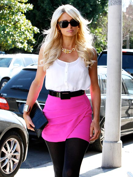 COLOR BLOCKING photo | Paris Hilton