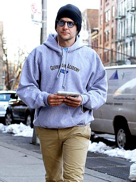 WARM-UP GEAR  photo | Bradley Cooper