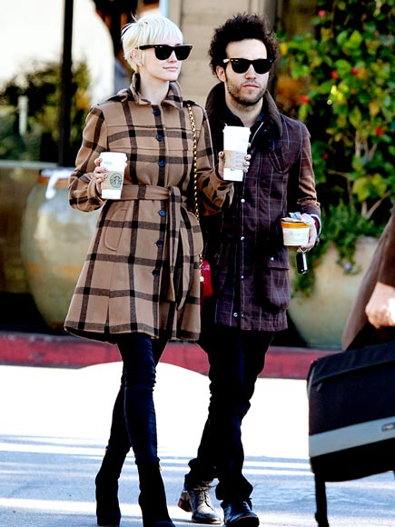 COFFEE CLUTCH photo | Ashlee Simpson, Pete Wentz