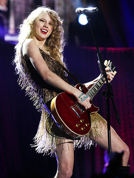 GET JAMMING photo | Taylor Swift