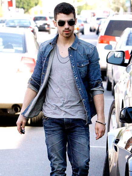 GOOD JEANS photo | Joe Jonas