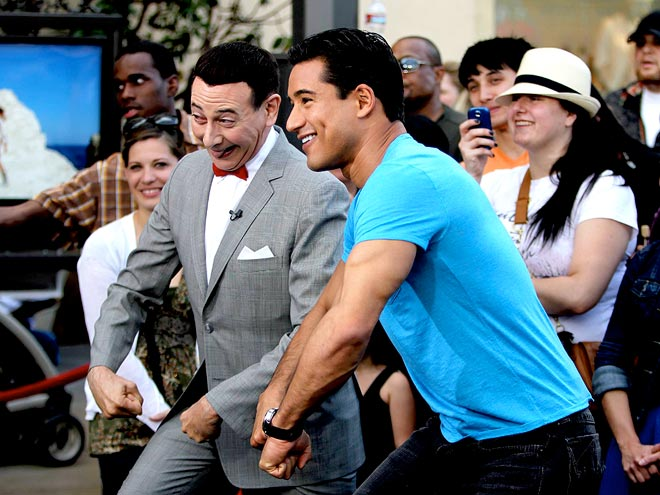 JIG ADVENTURE photo | Mario Lopez, Paul Reubens