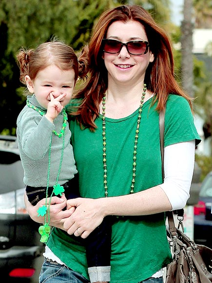 A LUCKY HUE photo | Alyson Hannigan