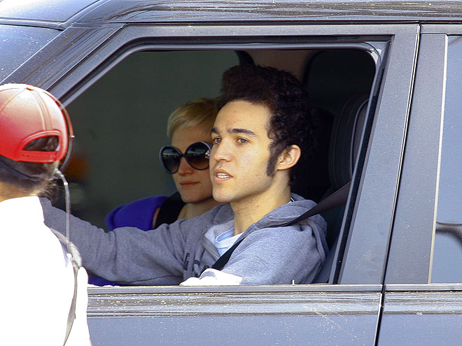 'MEAT' UP photo | Ashlee Simpson, Pete Wentz