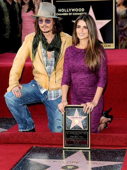 SHE'S GROUNDED! photo | Johnny Depp, Penelope Cruz