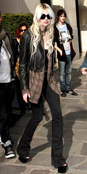 MUSICAL HAIRS